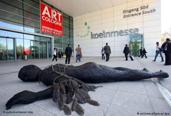 'Icarus' by Stephan Balkenhol at the entrance to Art Cologne