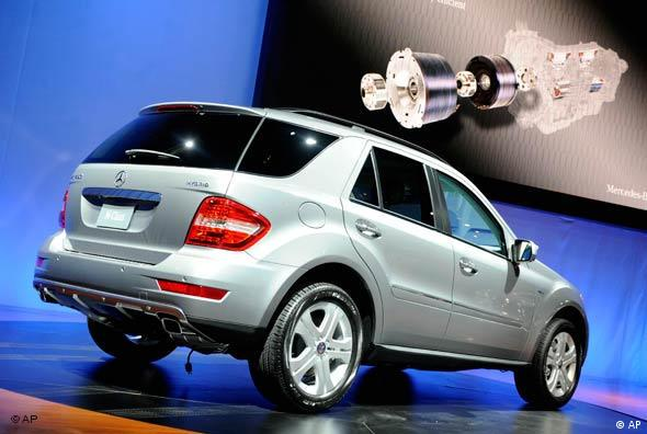 Mercedes ML450 Hybrid SUV (AP)