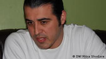 احمد باطبی حین مصاحبه در کلن