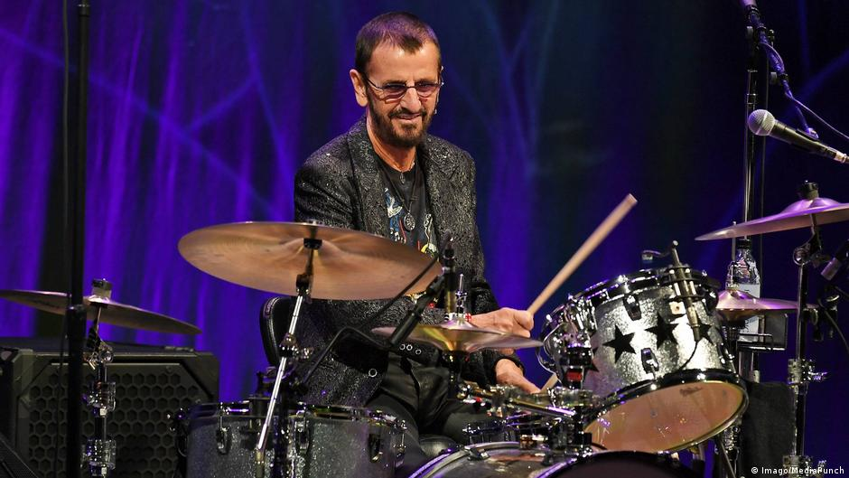 Ringo Starr And Barry Gibb Knighted In Uk Honor List News Dw