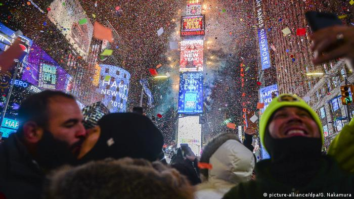 Silvester & Neujahr 2018 | New York Times Square (picture-alliance/dpa/G. Nakamura)