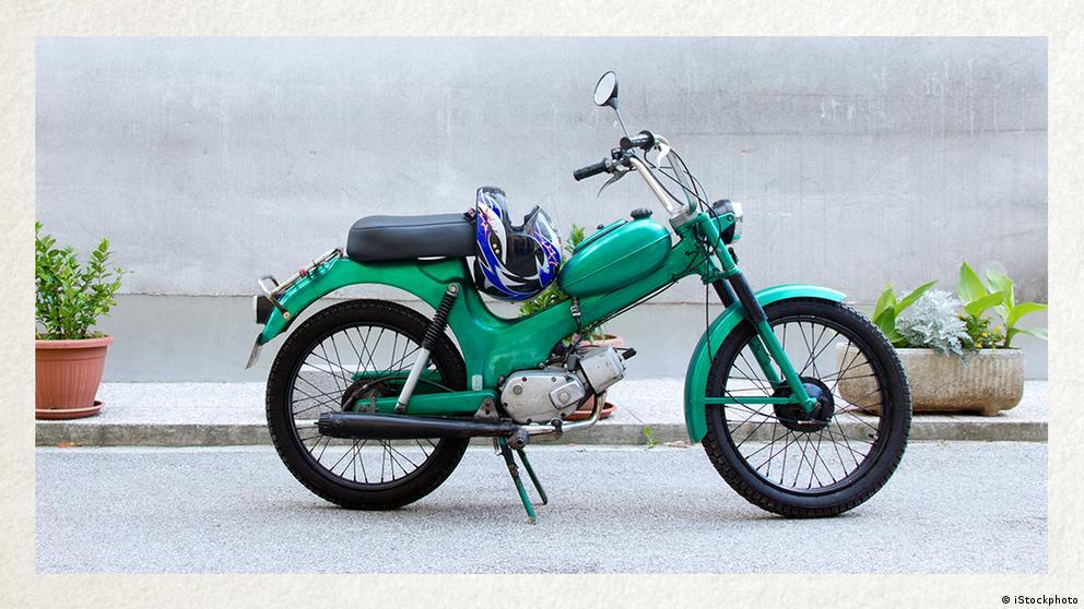 Deutschkurse | Wortschatz | WBS_Foto_Moped