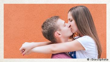Deutschkurse | Wortschatz | WBS_Foto_sich küssen