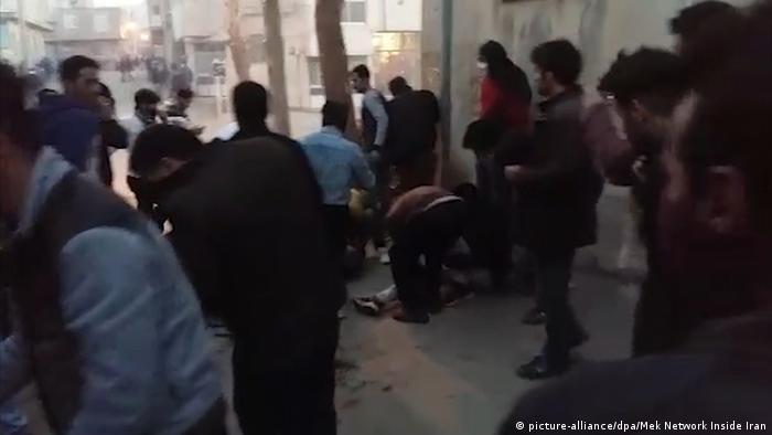 Proteste im Iran (picture-alliance/dpa/Mek Network Inside Iran)