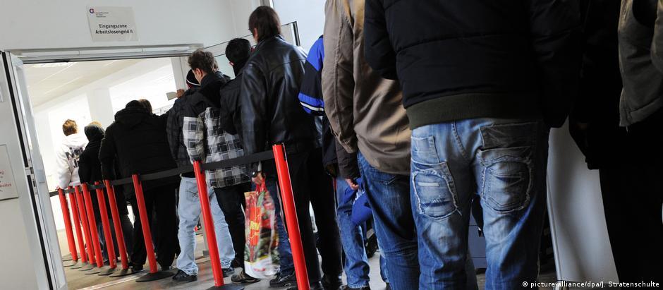 Segundo o economista Heinz-Josef Bontrup, a taxa de desemprego real é de aproximadamente 10% na Alemanha