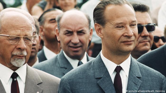 Alexander Dubcek (dir.) ficou conhecido como político sorridente (em foto de 1968, ao lado do então líder da Alemanha Oriental, Walter Ulbricht)