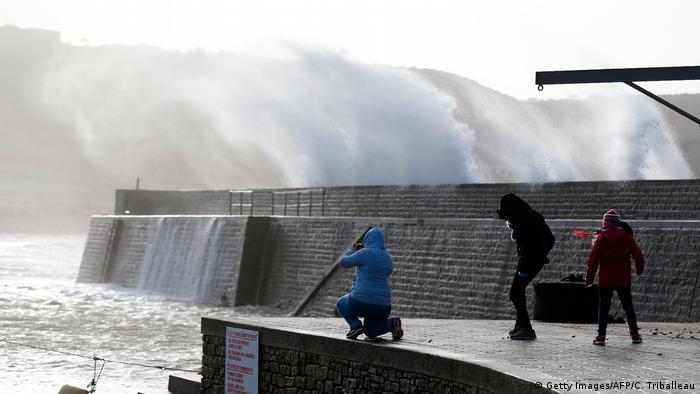 Frankreich Winter-Sturm Eleanor (Getty Images/AFP/C. Triballeau)