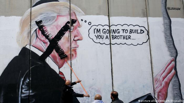 Trump mural in Bethlehem (picture-alliance/dpa/N.Shiyoukhi)