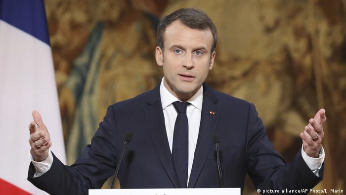 Frankreich Emmanuel Macron (picture alliance/AP Photo/L. Marin)