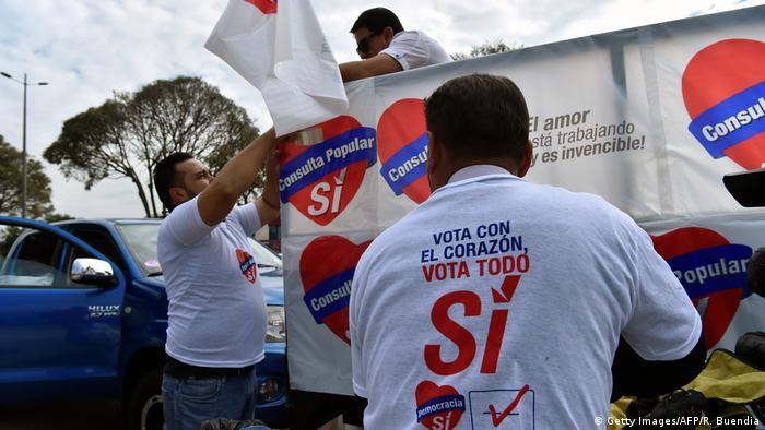 Campaña para el referéndum en Ecuador.