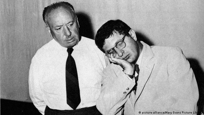 Alfred Hitchcock and Bernard Herrmann. (picture-alliance/Mary Evans Picture Library)