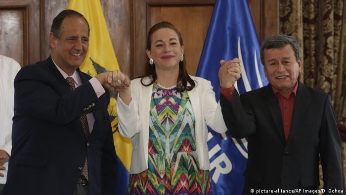 Ecuador Friedensgespräche ELN (picture-alliance/AP Images/D. Ochoa)