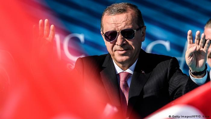 Türkei Recep Erdogan, Präsident   Einweihung Brücke in Istanbul