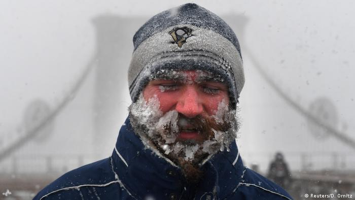 USA Schneesturm in New York (Reuters/D. Ornitz)