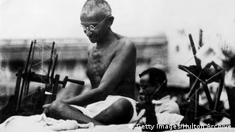 Mahatma Gandhi in Indien, 1925 (Bild: Getty Images/Hulton Archive)