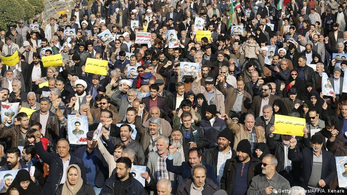 Iran regierungsfreundliche Demo in Teheran (Getty Images/AFP/A. Kenare)