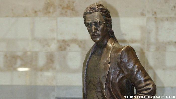 John Lennon statue at Liverpool airport (picture-alliance/dpa/dpaweb/M. Rickett)