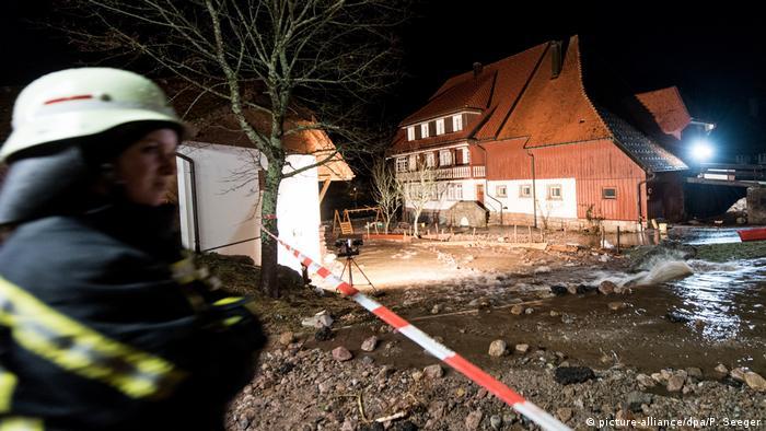 Flooding in Menzenschwand, Black Forest region (picture-alliance/dpa/P. Seeger)