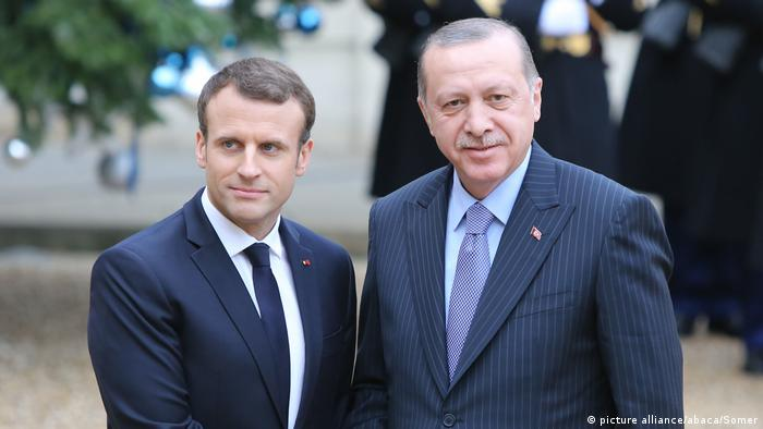 President of Turkey, Recep Tayyip Erdogan is welcomed by President of France, Emmanuel Macron in Paris (picture alliance/abaca/Somer)