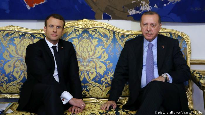 Turkish President Recep Tayyip Erdogan meets with French President Emmanuel Macron in Paris (picture alliance/abaca/Y. Bulbul)