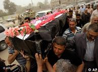روز جمعه تشییع جنازهی قربانیان در بغداد برگزار شد. این قربانیان روز پیش از آن کشته شده بودند.