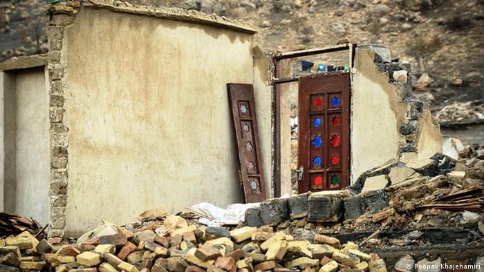 با وجود کمکهای نقدی و غیرنقدی، مردم زلزلهزده کرمانشاه هنوز هم از اوضاع خوبی برخوردار نیستند