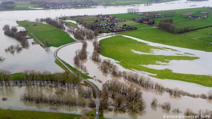 Hochwasser in NRW (picture-alliance/dpa/A. Stoffel)