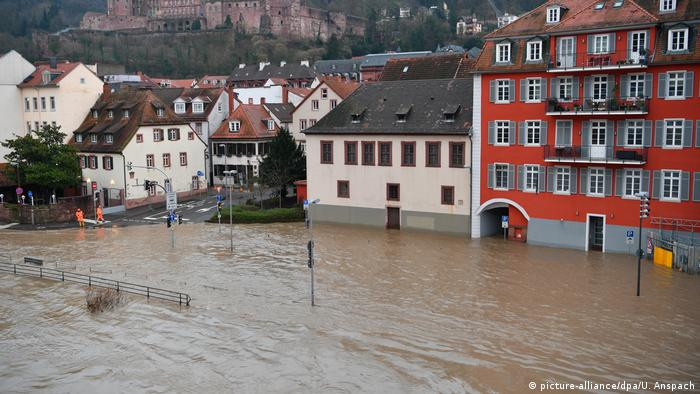 Hochwasser in Heidelberg (picture-alliance/dpa/U. Anspach)