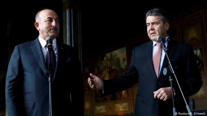 Deutschland Türkei Außenminister Sigmar Gabriel und Mevlüt Cavusoglu Treffen