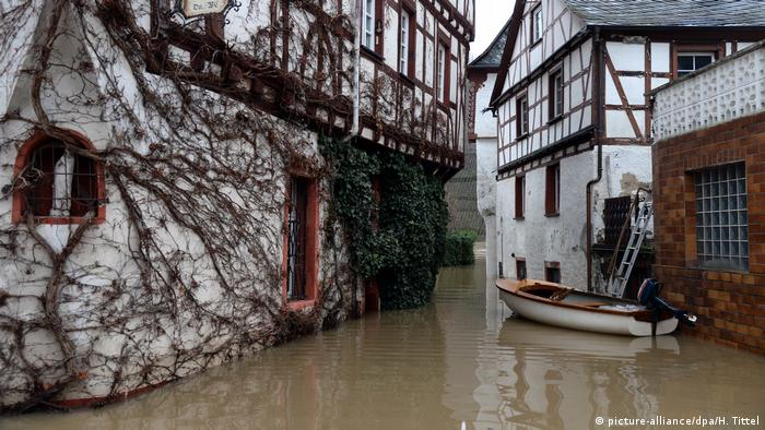Deutschland Hochwasser der Mosel