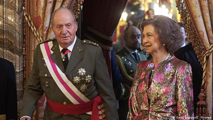 King Emerit Juan Carlos, his wife Queen Sofia attend the Pascua Militar ceremony at the Royal Palace on January 6, 2018 (Getty Images/C. Alvarez)