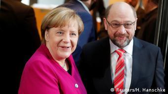 Deutschland Sondierungsgespräche in Berlin Merkel und Schulz (Reuters/H. Hanschke)