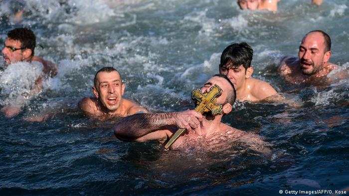 Orthodox Christians swimming in Istanbul (Getty Images/AFP/O. Kose)