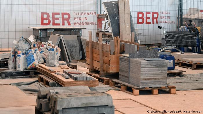 BER construction site (picture-alliance/dpa/R. Hirschberger)