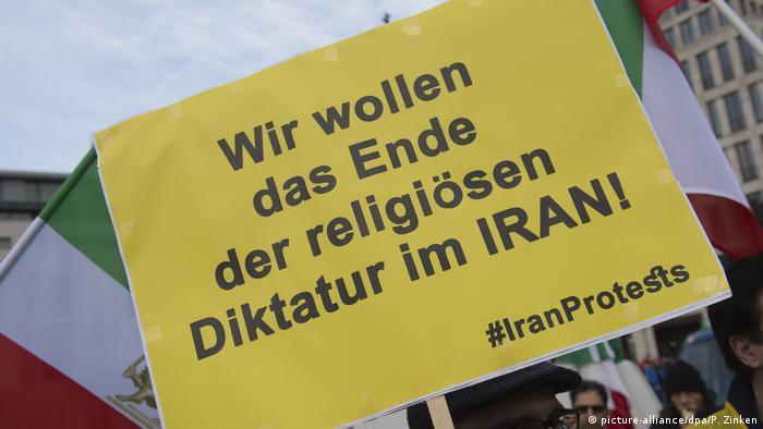 Deutschland - Demonstration in Berlin gegen das iranische Regierungssystem (picture-alliance/dpa/P. Zinken)