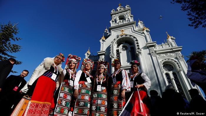İstanbul'daki Demir Kilise törenle açıldı   TÜRKİYE   DW