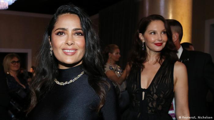 USA Golden Globes 2018 | Salma Hayek und Ashley Judd (Reuters/L. Nicholson)