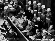 Os acusados durante o julgamento em 1946