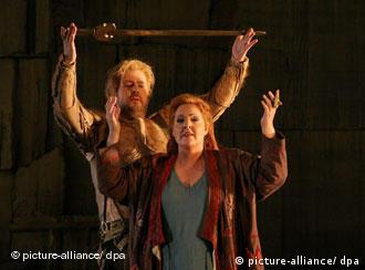 Siegfried and Brünnhilde