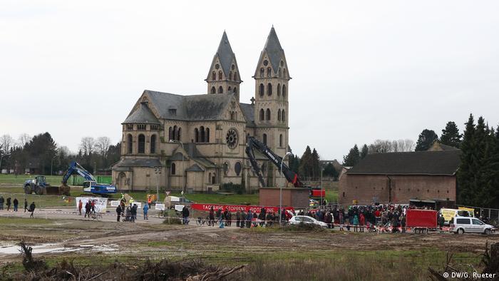 Deutschland Braunkohle Tagebau Dorf Immerath (DW/G. Rueter)