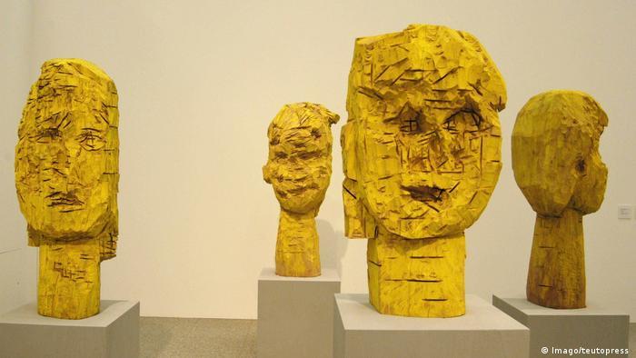 Baselitz sculpture: Dresden Women (Imago/teutopress )