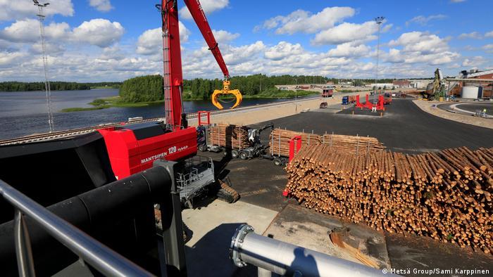 Stacks of pine logs at the Äänekoski Metsä bioproduct mill in central Finland (Metsä Group/Sami Karppinen)