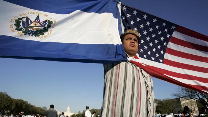 USA Immigranten Demo (picture-alliance/dpa/M.Cavanaugh)