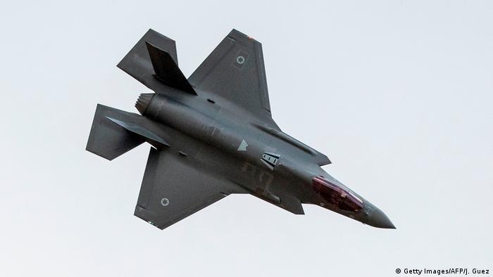 به ادعای یک روزنامه کویتی، دو جنگنده اسرائیلی بدون رهیابی شدن توسط سامانه دفاع هوایی جمهوری اسلامی وارد آسمان ایران شدهاند