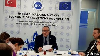 İktisadi Kalkınma Vakfı Başkanı Ayhan Zeytinoğlu
