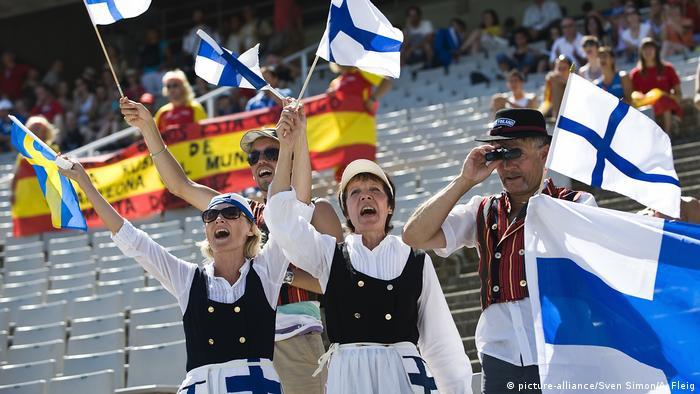 Finnland Frauen in Tracht