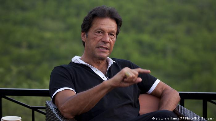 Imran Khan, the vassal of the Pakistani Tehreek-e-Insaf (PTI) party (picture-alliance / AP Photo / BK Bangash)