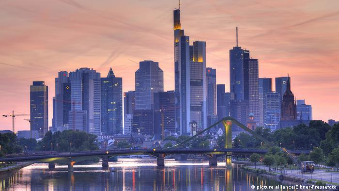 Deutschland Frankfurt - Skyline