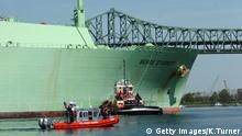 Natural Gas Ship Enters Boston