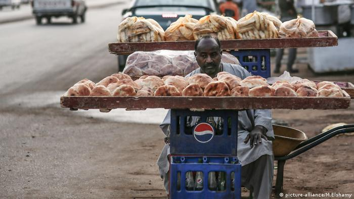 Sudan, Brot (picture-alliance/M.Elshamy)